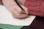 Chuẩn bị vào lớp 1 con vẫn chưa biết đọc, biết viết: Việc gì mà phải lo?