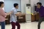 Rò rỉ video Táo quân 2017: Vân Dung bị Trung 'ruồi' đâm