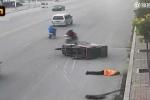 Trung Quốc: Công nhân vệ sinh bị xe ba gác tông chết, người qua đường dửng dưng bỏ mặc