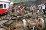 Tàu hỏa trật đường ray thảm khốc, hơn 50 người chết