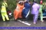 Hà Nội: Bất chấp nguy hiểm, dân lao vào cứu 2 cô gái bị cây đổ đè lên người