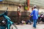 Nam thanh niên đâm bạn gái rồi tự sát giữa phố Sài Gòn