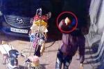 Trộm xe SH còn ngang nhiên nhìn thẳng camera chế nhạo chủ nhà