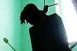 Sau cãi vã, chồng phát hiện vợ treo cổ chết trong phòng ngủ