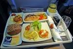 Những điều bạn chưa biết về đồ ăn trên máy bay