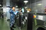 Ảnh: Cuộc sống trên tàu sân bay duy nhất của Trung Quốc