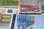 USD bằng Euro: Kỷ lục 15 năm, điều đáng sợ phía trước