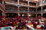27A96A0F00000578-3043400-Monks_pray_inside_the_biggest_temple_of_the_town_during_hours_In-a-29_1429438485050