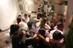 Hàng chục 'dân chơi' thuê khách sạn giữa Sài Gòn để 'bay lắc'