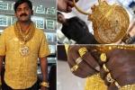 Chủ nhân chiếc áo sơ mi vàng ròng đắt nhất thế giới bị đánh chết