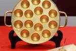 'Choáng' với nồi nướng bằng vàng ròng trị giá hơn 8,7 tỷ đồng