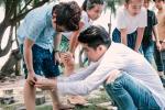 Noo Phước Thịnh đổi nghề làm 'bảo mẫu' chăm trẻ