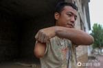 Chàng thợ xây cụt 1 tay đầy nghị lực khiến triệu người nể phục
