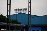 Soi nhà máy ôtô ngàn tỷ 'made in Việt Nam' nằm đắp chiếu ở Hà Nội