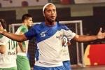 Xem Ronaldinho ghi 5 bàn điệu nghệ trên sân futsal