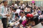 Bệnh viện Nhi 'ra tay' hỗ trợ bệnh nhân mùa nắng nóng