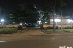4 tên côn đồ bịt khẩu trang lao vào cướp túi xách giữa Sài Gòn