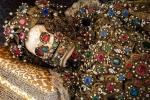 Bí ẩn những thi hài đeo đầy vàng bạc, đá quý trong mộ cổ