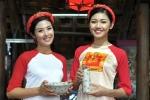 Ngọc Hân diện áo dài, diễu hành trên đường phố Huế