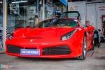 Siêu xe Ferrari 488 GTB tại Đà Nẵng lên gói độ hàng hiệu
