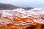 Ảnh: Tuyết phủ trắng sa mạc Sahara sau 37 năm