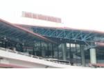 Tủ điện ở sân bay Nội Bài bốc cháy dữ dội