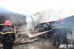 Xưởng gỗ hàng ngàn mét vuông bùng cháy dữ dội