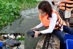 Mua 80kg rùa giá 25 triệu đồng ra sông Sài Gòn phóng sinh cúng Táo quân