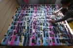 Bộ sưu tập 3.000 điện thoại, từ 'cục gạch' đến iPhone thời thượng