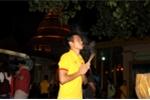 AFF Cup 2016: Thầy trò Hữu Thắng đi chùa Vàng cầu may