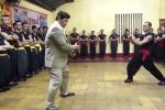 Video: 5 võ sư có khả năng 'truyền điện' như Huỳnh Tuấn Kiệt