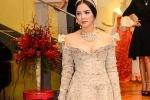 Lý Nhã Kỳ lại diện váy tiền tỷ dự tiệc