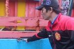 Tàu cá Quảng Ngãi bị tàu Đài Loan đâm mạnh, phun vòi rồng xối xả