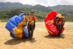 Hinh anh Gioi tre hao hung tham gia 'Bay tren mua nuoc do 2017' 18