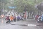 Hà Nội có mưa rào rải rác, TP.HCM nắng to