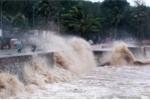 Áp thấp nhiệt đới gió giật cấp 8 trên Biển Đông