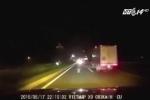 Tài xế say rượu, vô tư đi ngược chiều trên cao tốc
