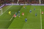 Trọng tài bắt việt vị sai, hủy bàn thắng của Manchester United