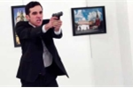 Video sát thủ lẳng lặng đến sau lưng đại sứ Nga và nổ súng