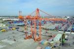 Ảnh: Di chuyển cần cẩu 700 tấn ở cảng Tân Vũ bằng điều khiển từ xa