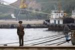 Du thuyền Nga bất ngờ bị tàu Triều Tiên bắt giữ