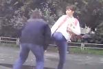 Video: Nhà vô địch Taekwondo thế giới hạ gục kẻ vũ phu trên đường phố
