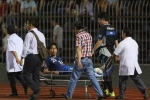 Quế Ngọc Hải vào bóng rợn người, cầu thủ Fukuoka vào viện