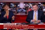 Vụ khủng bố Anh: Nữ MC bị chỉ trích vì hành động phản cảm