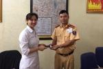 Nhận được điện thoại đánh rơi, nữ y tá viết thư cảm ơn Công an Hà Nội