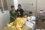 Bị bạn ép trèo lên cột điện, cháu bé dân tộc Mông bỏng nặng
