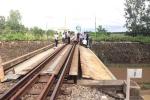 Băng qua đường sắt, kỹ sư cầu đường bị tàu hỏa tông chết