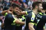 Giroud trở lại, trong hình hài 'vị thần' của Arsenal