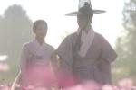 Tập cuối 'Mây hoạ ánh trăng': Cảnh hôn khiến fan 'tan chảy' của Lee Young và Ra On