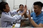 Trọng Hiếu truyền tinh thần lạc quan cho các bệnh nhi tan máu bẩm sinh